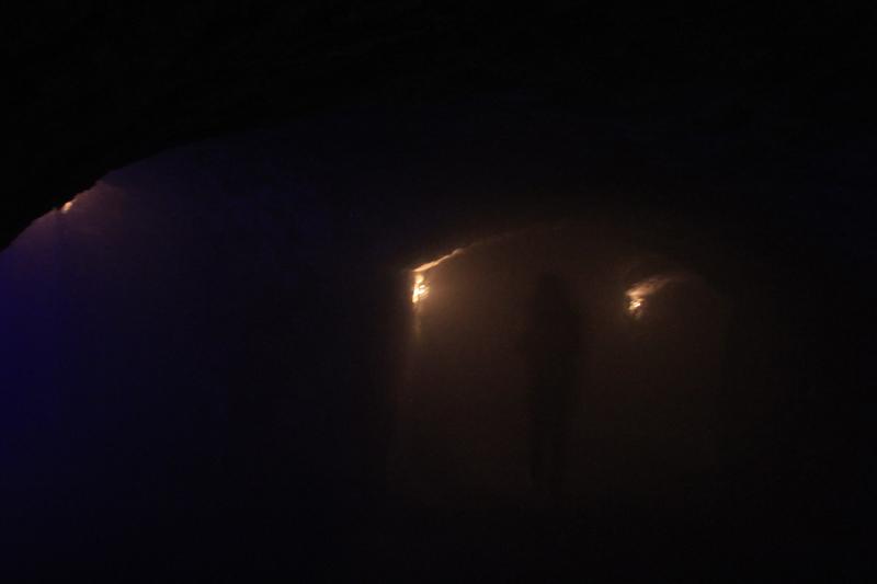 Μουσείο Λαβυρίνθων κάτω από τα Κάστρα της Βούδας (Labirinthus Castle Caves Museum) - με απόσταση μόλις 3 μέτρων και τέτοια οπτική ...εμμ...περιορισμένη επαφή
