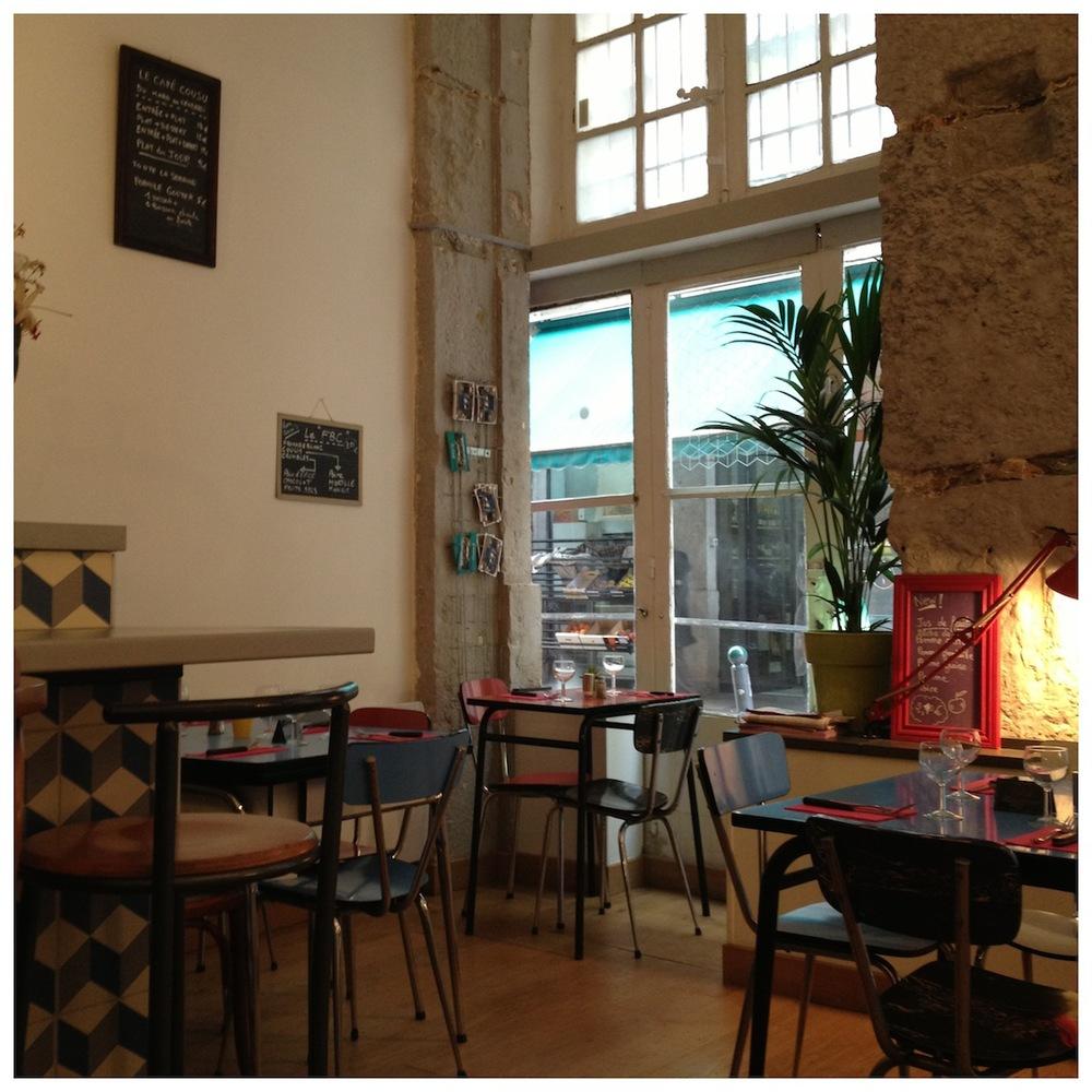 Το εσωτερικό του Cafe Cousu