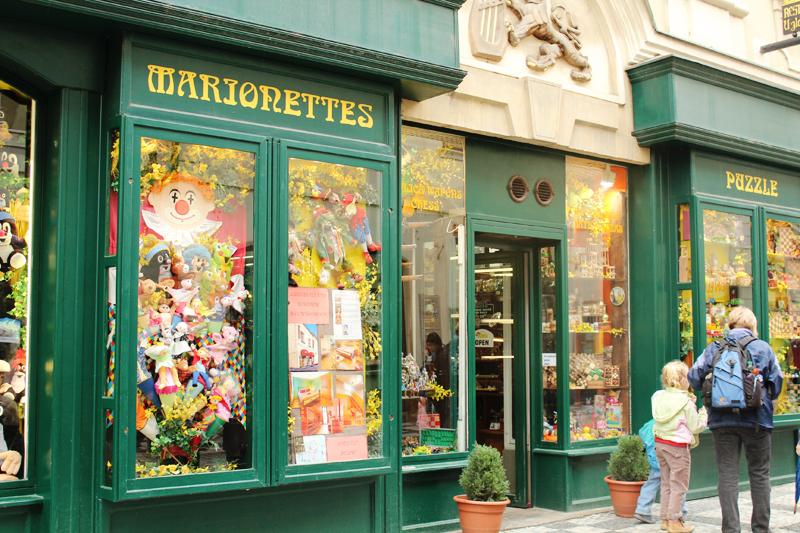 μαγαζί με μαριονέτες Πραγα.jpg
