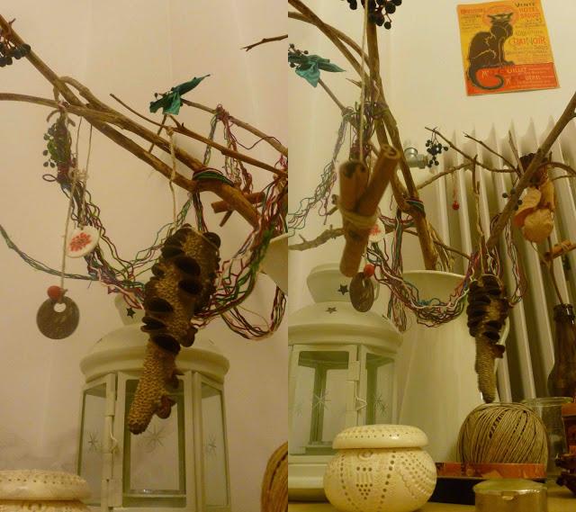 Φτιάξε κάτι σαν χριστουγεννιάτικο δέντρο από κλαδιά