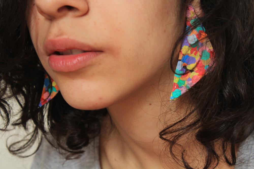 Χειροποίητα πολύχρωμα σκουλαρία με κομφετί | In Whirl of Inspiration
