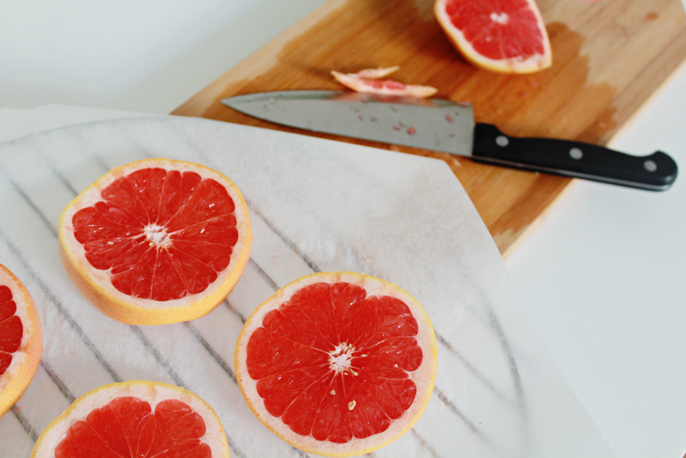 How to make coasters from dried blood orange slices (via inwhirlofinspiration.com) 2