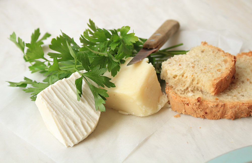 Our cute models: Naxos' gruere (right) & Creta hard goat cheese (left)
