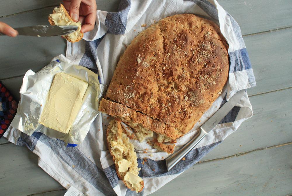 Ολικής αλέσεως ψωμί με σουσάμι, λιναρόσπορους και ηλιόσπορους | από το IN WHIRL OF INSPIRATION
