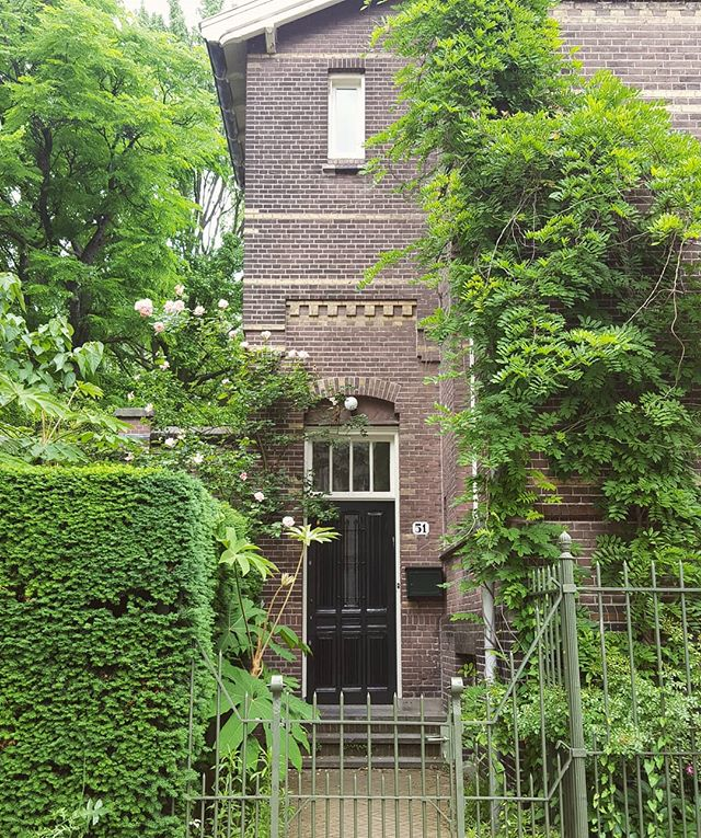 Oh look, the municipality heard we are searching for a house and they offered us this simple, cheap mansion. But we rejected it, because if you don't pay a fortune for a shoe box in/around Amsterdam, it's a scam! #amsterdamthenewvenice