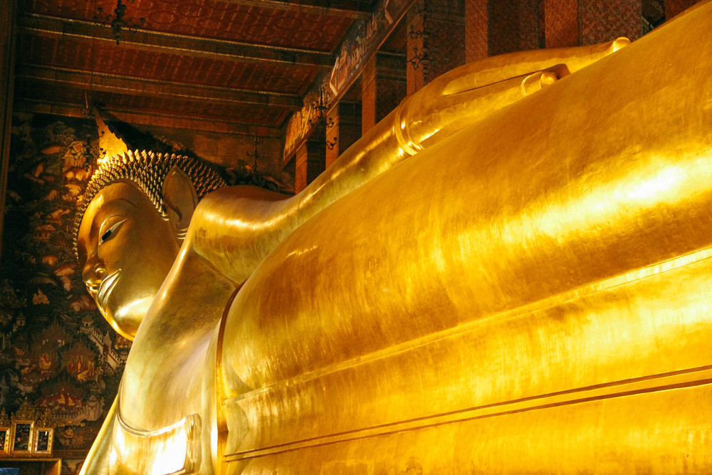 The largest Reclining Buddha in the world.