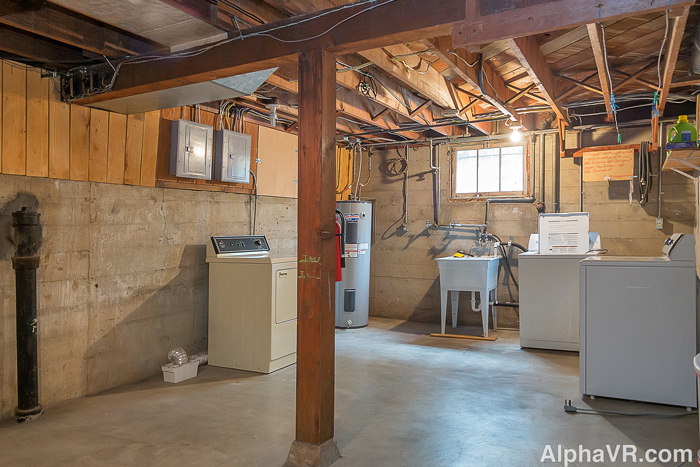 NE Multnomah basement washer & dryers.jpg
