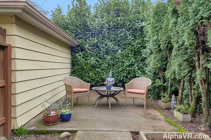6010 backyard.jpg