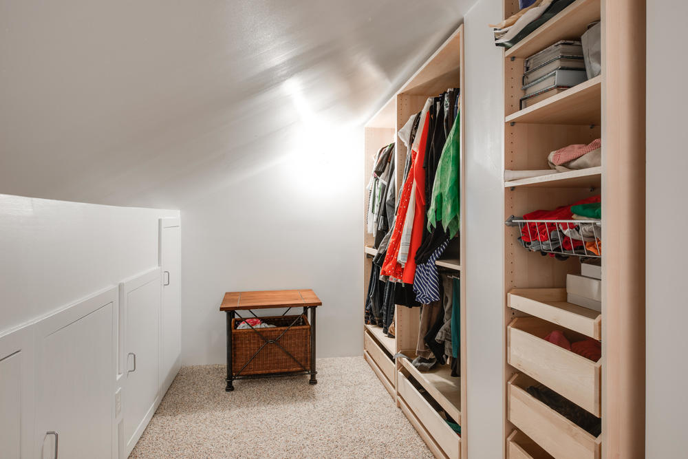 2514 NE Mason St Portland OR-print-017-Walkin Closet-4200x2804-300dpi.jpg