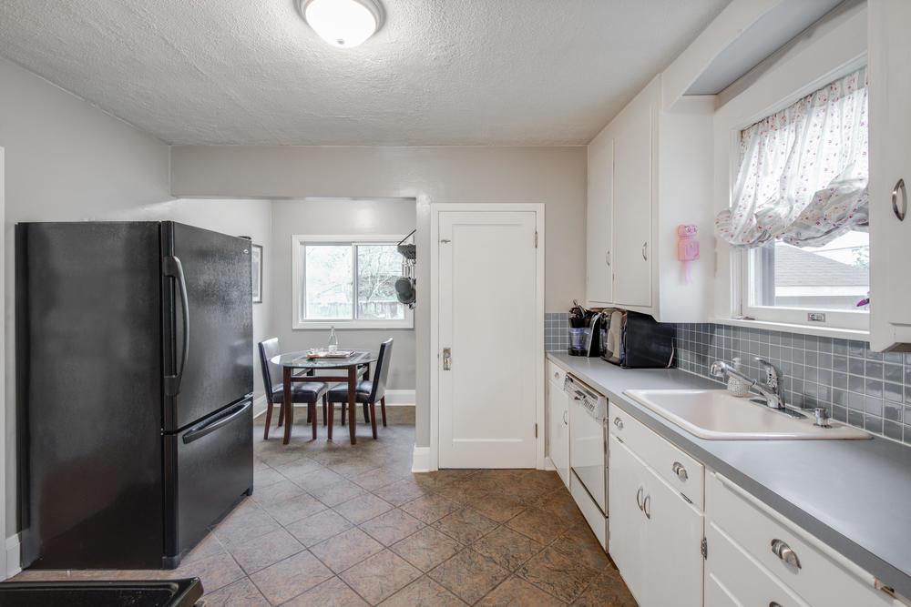 2514 NE Mason St Portland OR-print-010-Kitchen-4200x2803-300dpi.jpg