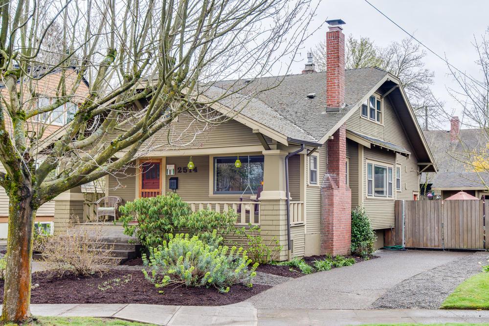 2514 NE Mason St Portland OR-print-001-Front of Home-4200x2804-300dpi.jpg