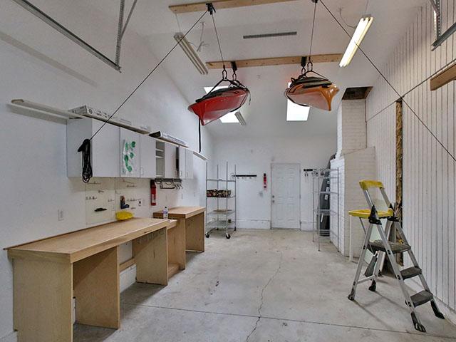 garagebay.jpg
