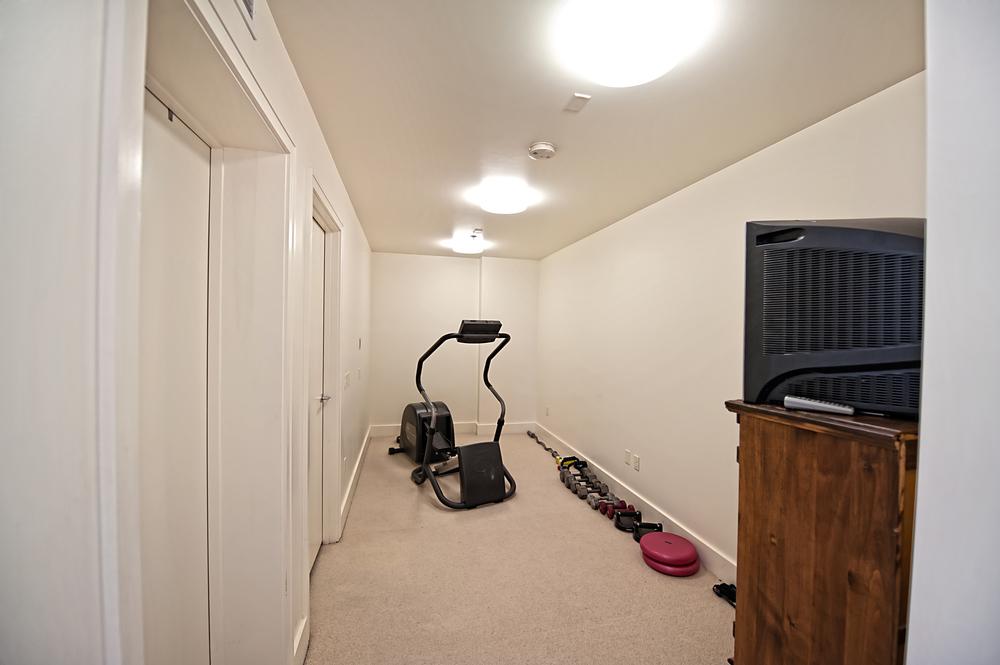 fitnessroom.jpg