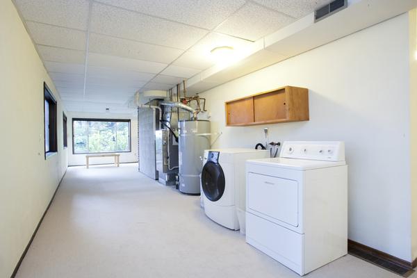 sw bridlemile utility room.jpg