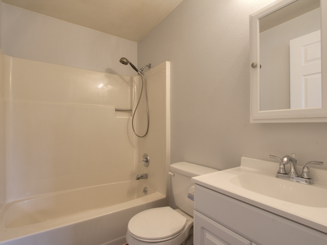 Golden Road master bath.jpg