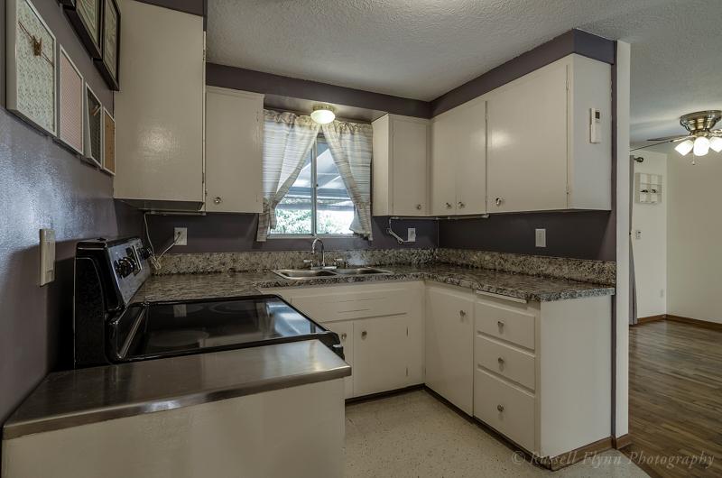 72nd Kitchen2 RMLS.JPG