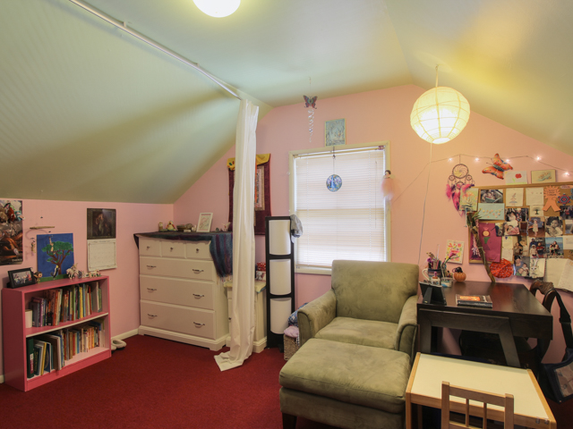 Emerson Girl's Room Web.jpg