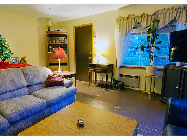 living room 3 rmls.jpg