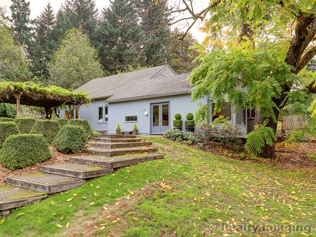Looking for a Great Home in SW PDX? This One's Available!
