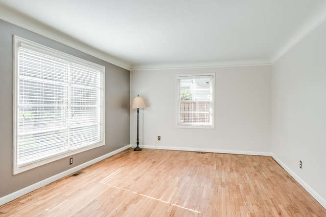 4237 NE 73rd Ave Portland OR-small-004-7-Living Room-666x445-72dpi.jpg
