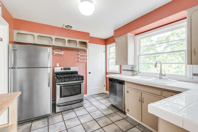 4237 NE 73rd Ave Portland OR-small-008-11-Kitchen-666x445-72dpi.jpg