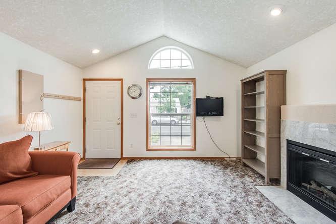 5625 SE Malden St Portland OR-small-003-3-Living Room-666x445-72dpi.jpg
