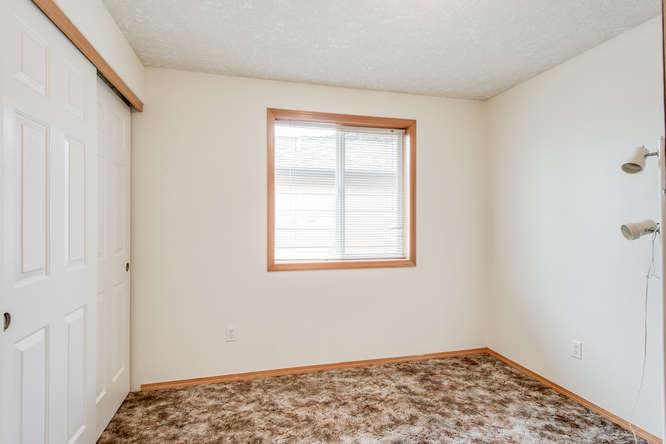 5625 SE Malden St Portland OR-small-014-16-Bedroom 2-666x445-72dpi.jpg