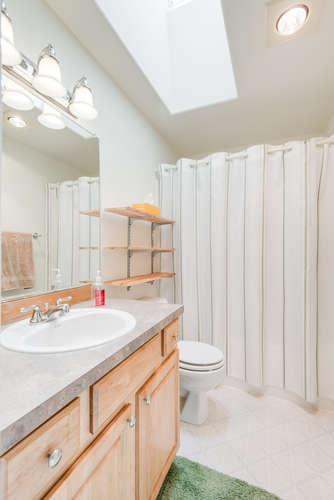 5625 SE Malden St Portland OR-small-016-12-Bathroom-334x500-72dpi.jpg