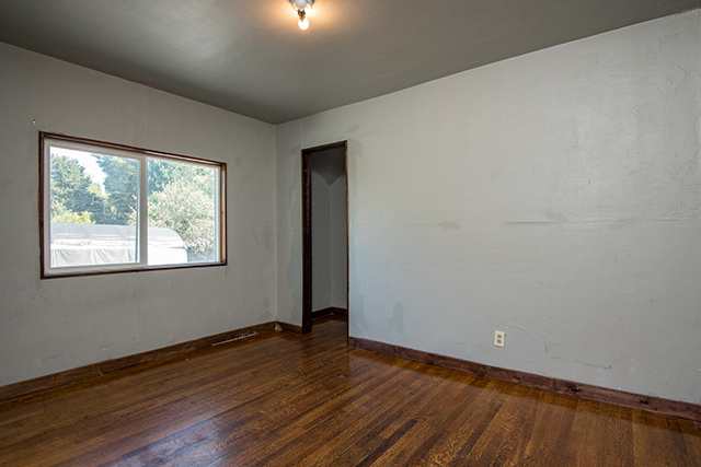10470 NE 6TH DR, Portland, OR 97217 Web-20.jpg