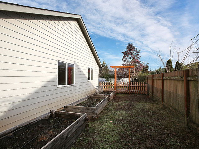 20222 S Homestead Dr - Oregon City- 35.jpg