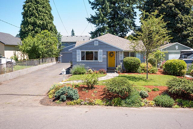 7612 SE 62nd Ave Original-2.jpg
