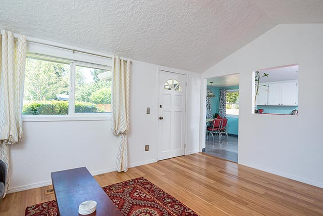 7612 SE 62nd Ave Original-8.jpg