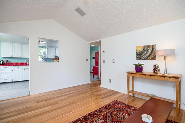 7612 SE 62nd Ave Original-9.jpg
