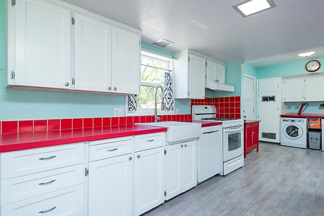 7612 SE 62nd Ave Original-13.jpg