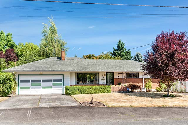 11227 NE Morris St Portland OR-print-001-4-Front of Home-4200x2803-300dpi.jpg