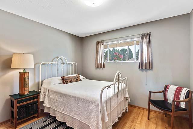 11227 NE Morris St Portland OR-print-016-1-Bedroom 2-4200x2803-300dpi.jpg