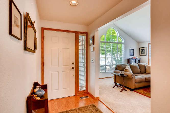 14804 NE Newport St Portland-small-005-4-Foyer-666x445-72dpi.jpg