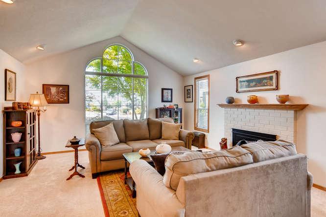 14804 NE Newport St Portland-small-006-1-Living Room-666x445-72dpi.jpg