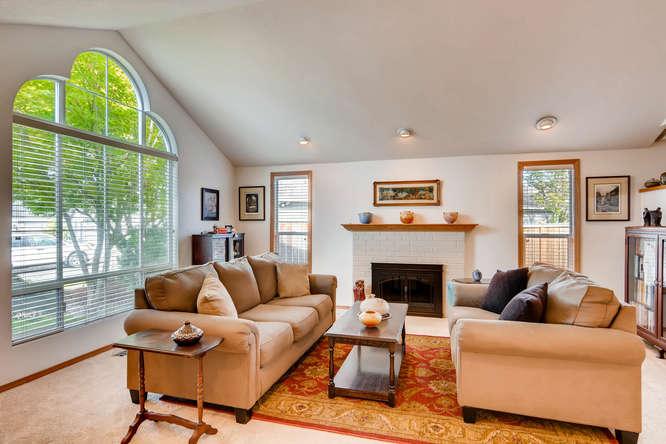 14804 NE Newport St Portland-small-007-8-Living Room-666x445-72dpi.jpg