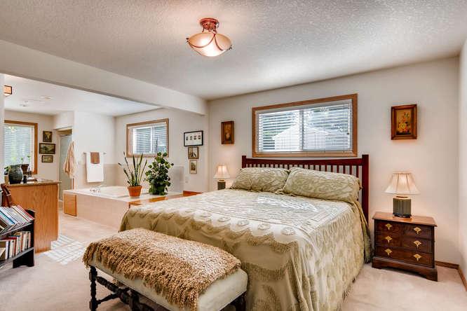 14804 NE Newport St Portland-small-016-15-Master Bedroom-666x445-72dpi.jpg