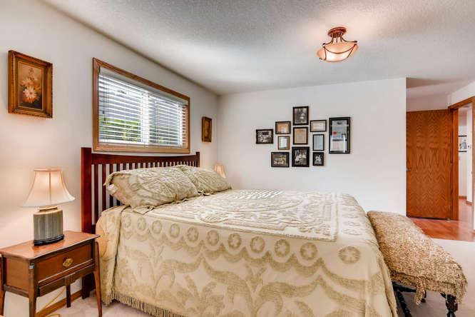 14804 NE Newport St Portland-small-017-22-Master Bedroom-666x445-72dpi.jpg