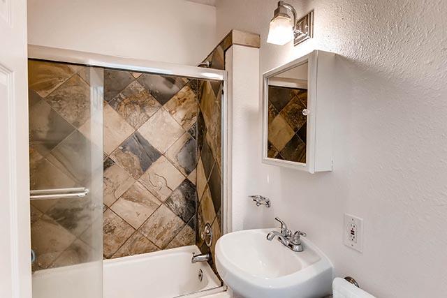 8126 N Olympia Portland OR-print-018-39-Master Bathroom-2700x1800-300dpi.jpg