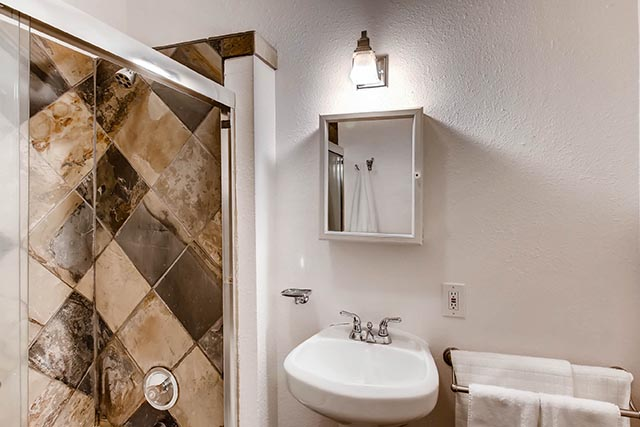 8126 N Olympia Portland OR-print-019-46-Master Bathroom-2700x1800-300dpi.jpg