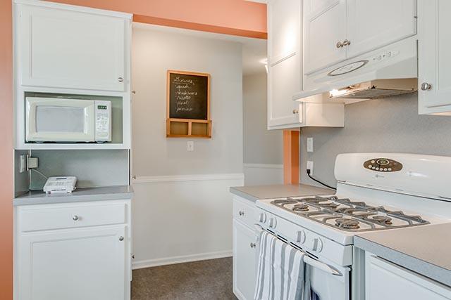 3840 NE 71st Ave Portland OR-print-013-23-Kitchen-4200x2804-300dpi.jpg