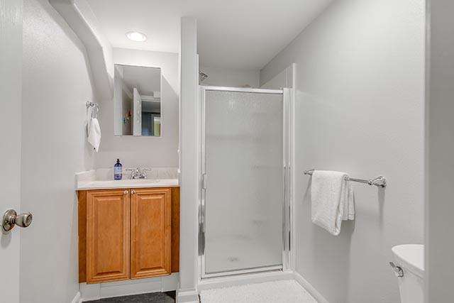 3840 NE 71st Ave Portland OR-print-030-20-Bathroom-4200x2804-300dpi.jpg