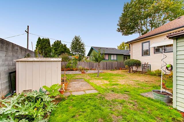 55 NE 83rd Ave Portland OR-print-027-27-Back Yard-2700x1800-300dpi.jpg