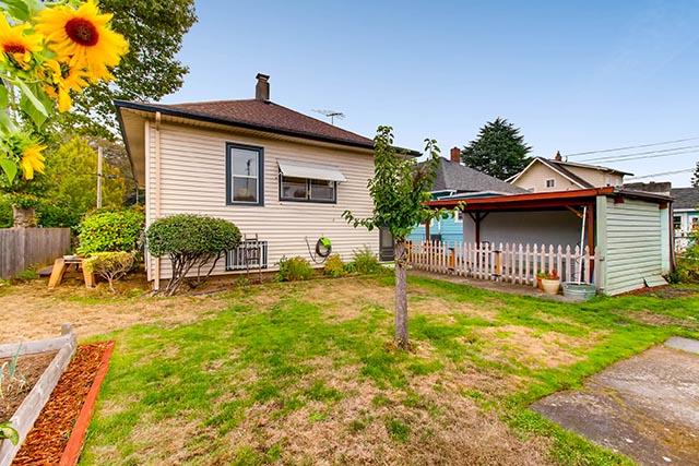 55 NE 83rd Ave Portland OR-print-028-28-Back Yard-2700x1800-300dpi.jpg
