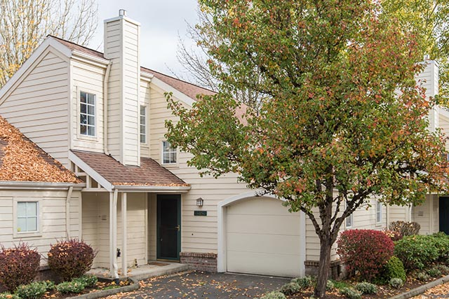 13487 SW Summerwood Dr Tigard-print-002-2-Front of Home-4200x2804-300dpi.jpg