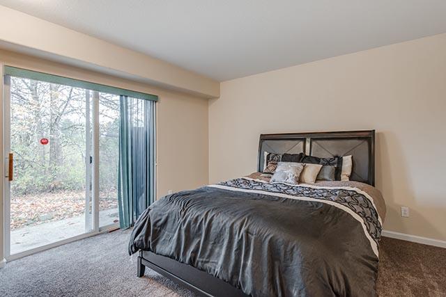 13487 SW Summerwood Dr Tigard-print-016-16-Master Bedroom-4200x2804-300dpi.jpg