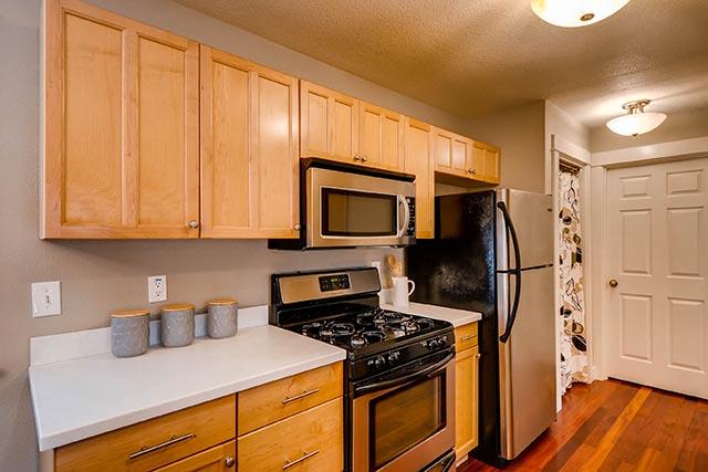 4017 NE Roselawn St Portland-print-015-10-Kitchen-2700x1801-300dpi.jpg
